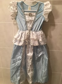Cinderella dress sz 6-7 Toronto, M6L 2G6