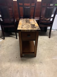 End Table Louisville, 40205