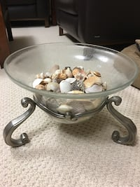 Beautiful centre piece glass bowl with brushed nickel base Kingston, K7P 0K7
