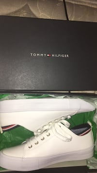 tommy hilfiger woman shoes Eugene, 97402