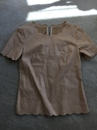 BCBG blouse , size small Bel Air, 21014