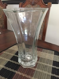 Clear glass table vase for sale  Charlotte, 28277