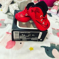 red-and-black Nike Air Max shoes Thousand Palms, 92276