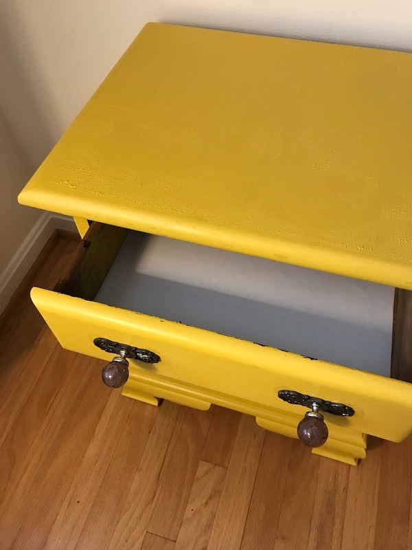 Yellow nightstand or side table b4b62a9c-47ff-4a99-a56b-9af6ef0fb02c