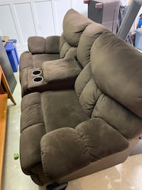 Two seat recliner couch Clear Spring, 21722