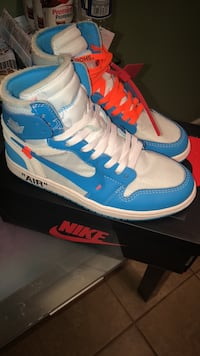 Pair of blue-and-white nike sneakers Washington, 20017