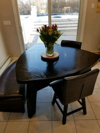 Wood table with 2 swivel chairs and bench Windsor, 06095