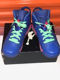 Pair of blue high tops New York, 10472