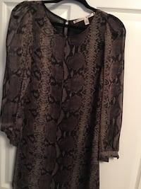brown and black floral scoop-neck shirt Chattanooga, 37409
