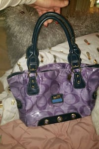 COACH purse ... like brand new in great condition  Martinsburg, 25401