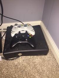 Black xbox 360 game console with controller Oakville, L6L 0C2
