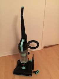 Like new vacuum cleaner  ( Bissell) Vancouver, V6Z 2Y3
