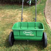 Used Green Scotts Seed Spreader For Sale In Newport Letgo