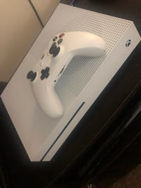 white Xbox One console with controller Windsor Mill, 21244