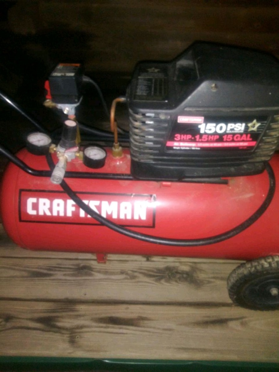 Photo Craftsman 150 psi 15 Gallon air compressor