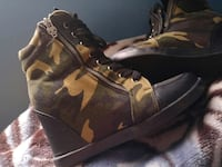 Side zipper camo army wedge  Thorold, L2V 4W7