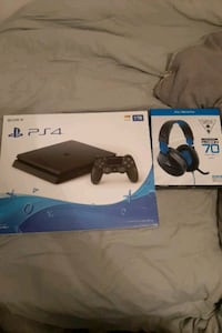 PS4 brand new. Everything included
