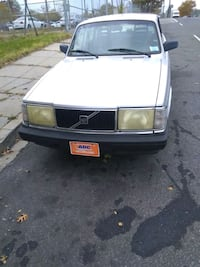 Volvo - 240  - 1993 perfect condition Capitol Heights