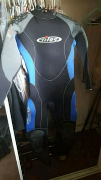 black and blue wet suit San Diego, 92116