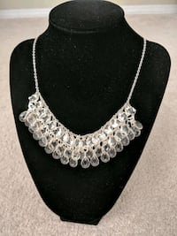 silver chain necklace with silver pendant Edmonton