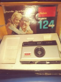 white and black Kodak Instamatic 124 instant camera with box Akron, 44305