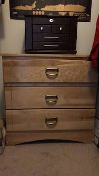 Brown wooden 3-drawer tallboy dresser Ottawa, K2W 1H8
