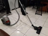 Bissel clean view canister vaccum. Very good condition