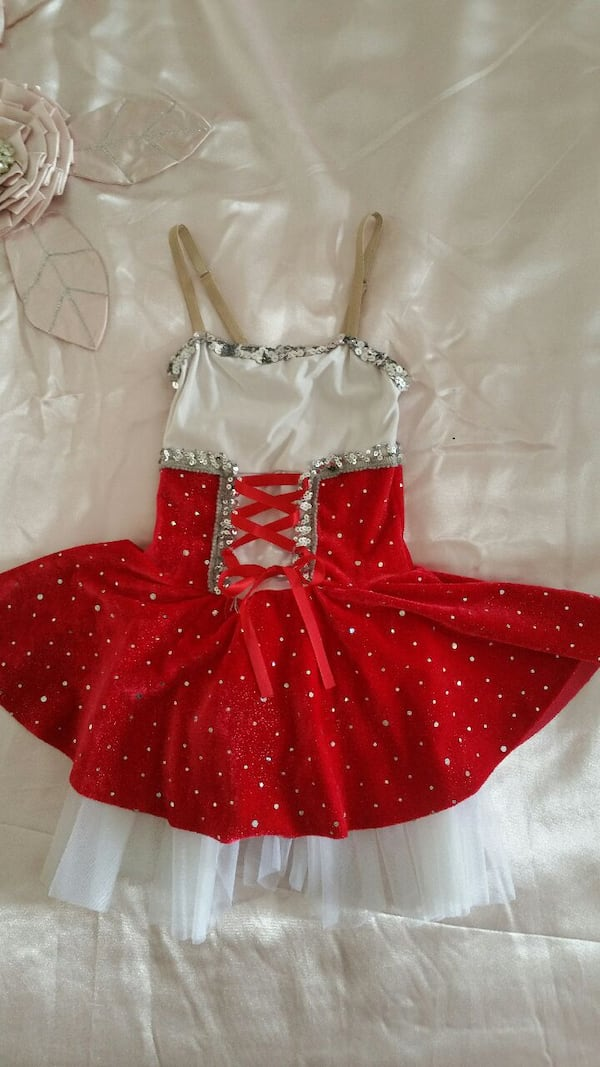 Little red riding hood costume 5-6 ys $10 1