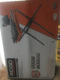 Ridgid 7 in wet tile saw with stand  Gresham, 97030