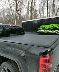 Truck bed cover  Toronto, M5A 1M9