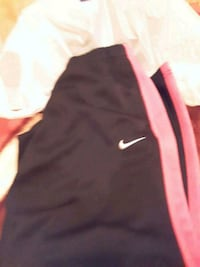 Girls med Nike pants Hagerstown, 21740