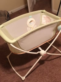 Fisher Price Bassinet  District Heights, 20747