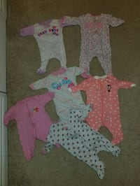 baby's assorted clothes Mississauga, L5J 4B3