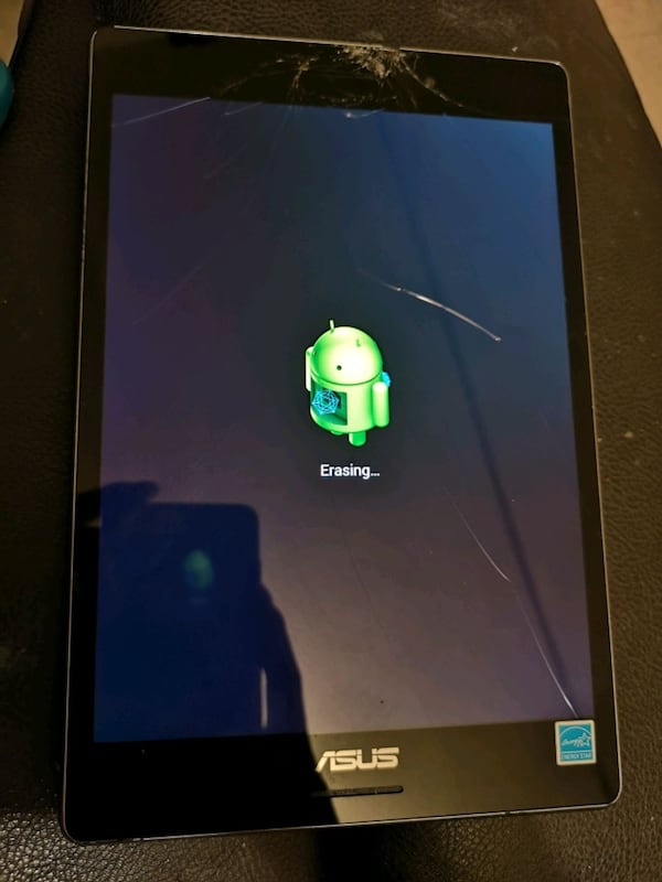 64gb Asus tablet with crack unlock 5ece48f0-5f9e-4577-85c0-46aa94dc5011