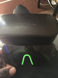 black Louis Vuitton shield sunglasses Toronto, M1S 2V9