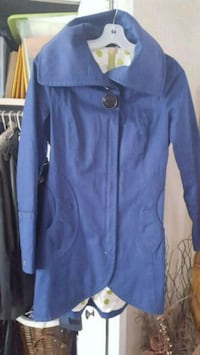 Soia & Kyo. Royal blue tulip fit coat. Size Small.