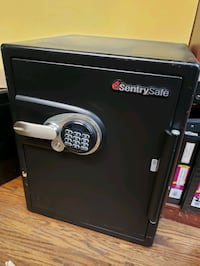 Sentry Safe very good condition, pickup Mississauga S100 Mississauga, L5A 2K6