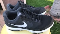 Pair of black nike air max shoes Oxnard, 93036