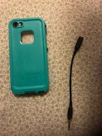 iPhone life proof case 5 or 5s  Brampton, L7A 3S5