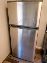 Top freezer refrigerator Annandale, 22003