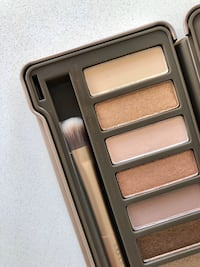 Urban Decay Palette (Naked 2) and Primer