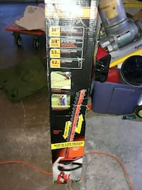 Black & Decker 24 in Dual Action hedge trimmer Revere, 02151