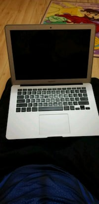 """Apple Macbook Pro 13"""" for parts Mississauga, L5W 1N7"""