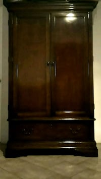 This Armoire could be yours if you ¿. Bakersfield, 93305