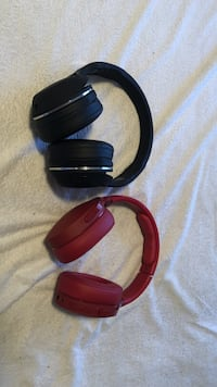 Wireless skull candy headphones, barely used