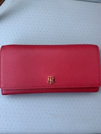 Tommy red wallet