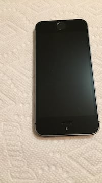Space gray iPhone 5s 16GB with otter box