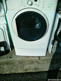 white front load clothes washer Oxon Hill, 20745