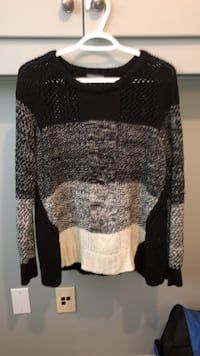 Sweater Edmonton, T5Y 2Z9