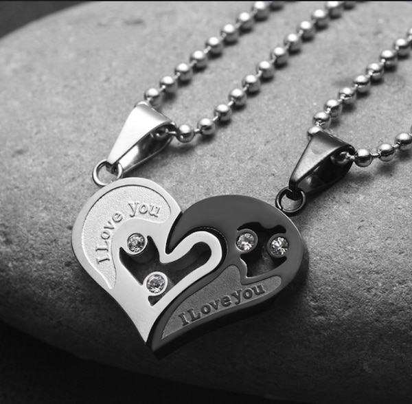 Black and gray boys cool chain